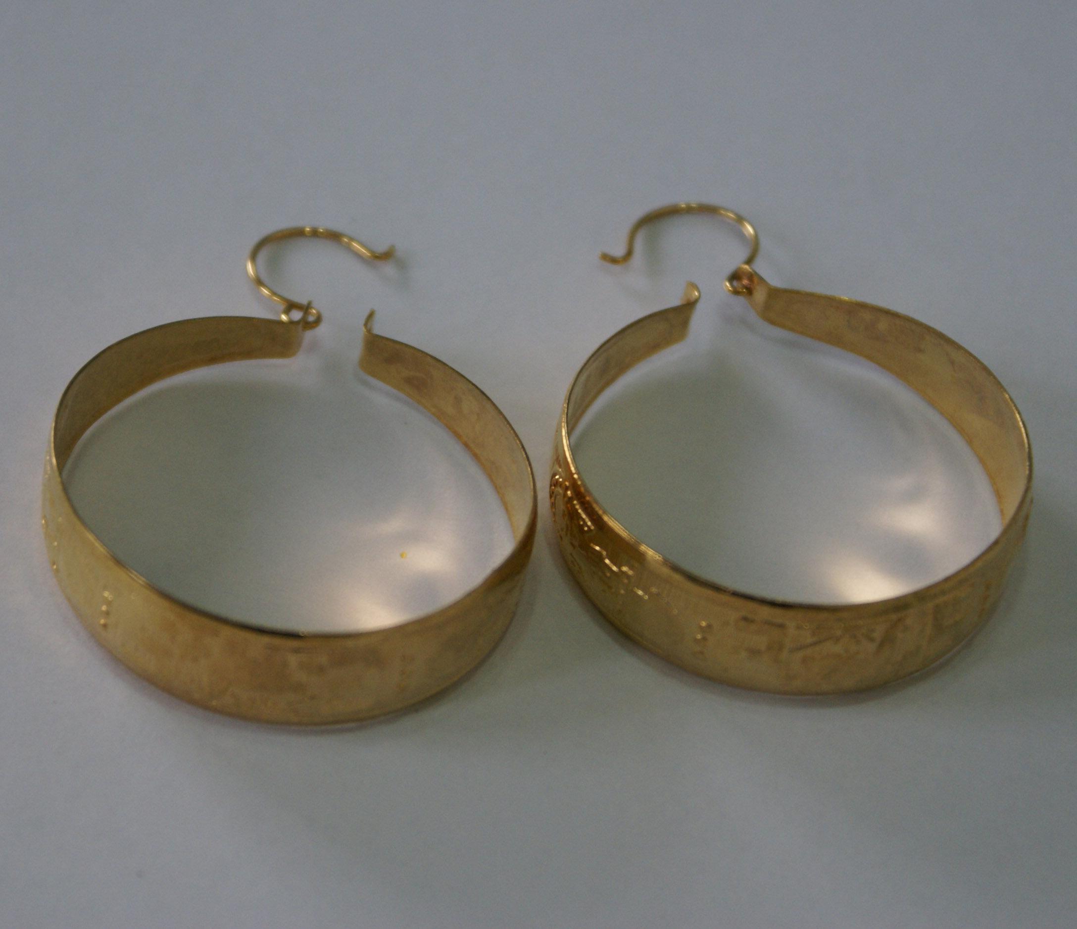 b62b06dbcd90  6.00 USD Aretes Candongas de Metal Dorados  5.00 USD ...