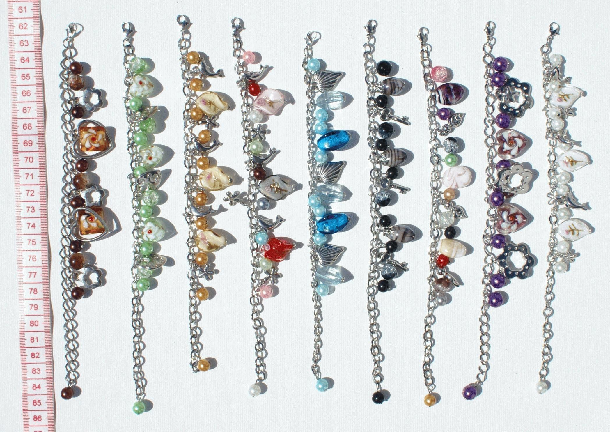 b2ec7894a7f4 Pulseras de metal con cristales de diferentes colores